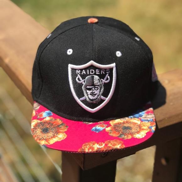 152e85d785c Vintage Mitchell   Ness Oakland Raiders Hat